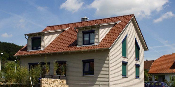 Fassadenmodernisierung mit Holz – Die ästhetische und gesunde Alternative
